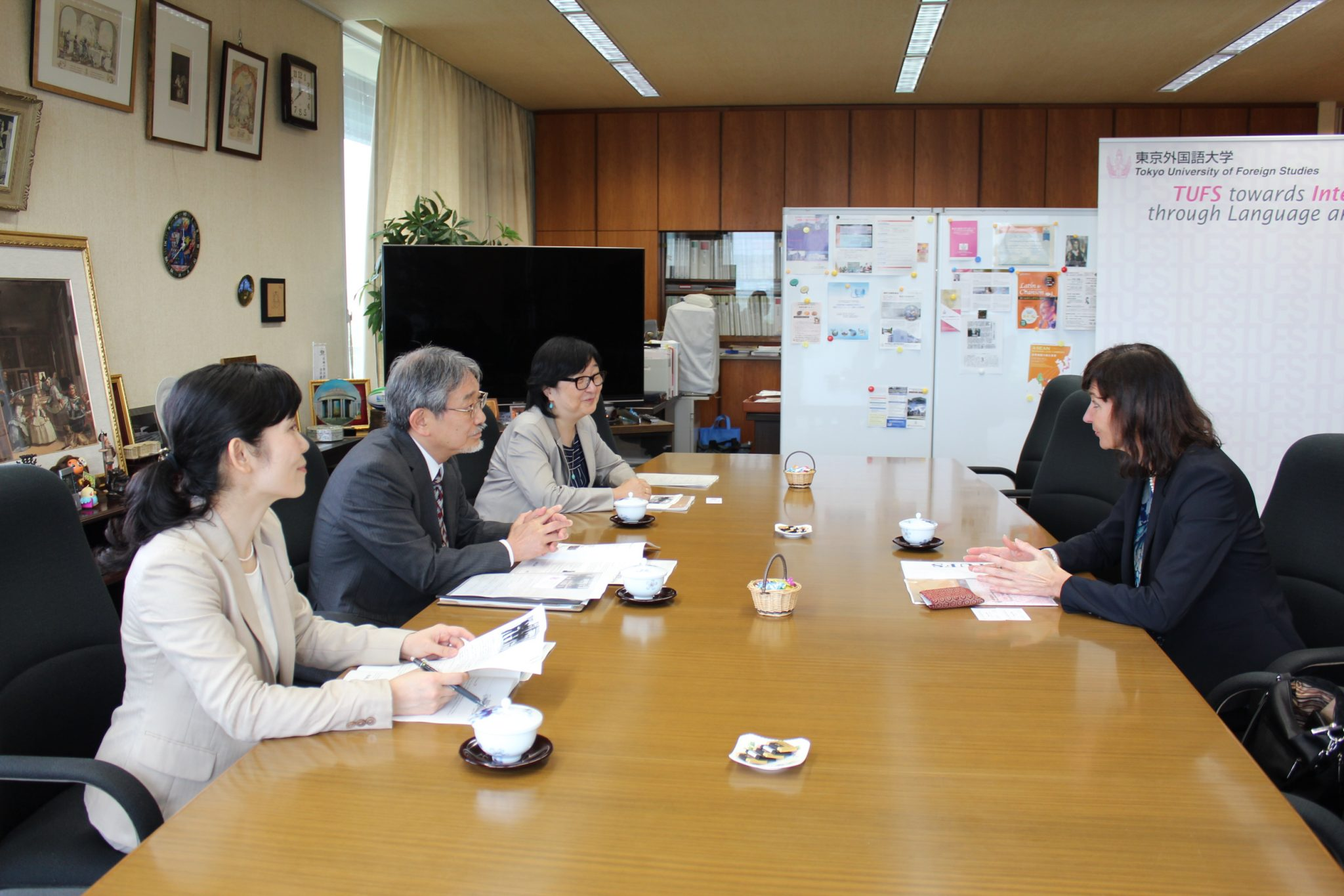 Vice-Rector of VMU meet with TUFS Students | VDU