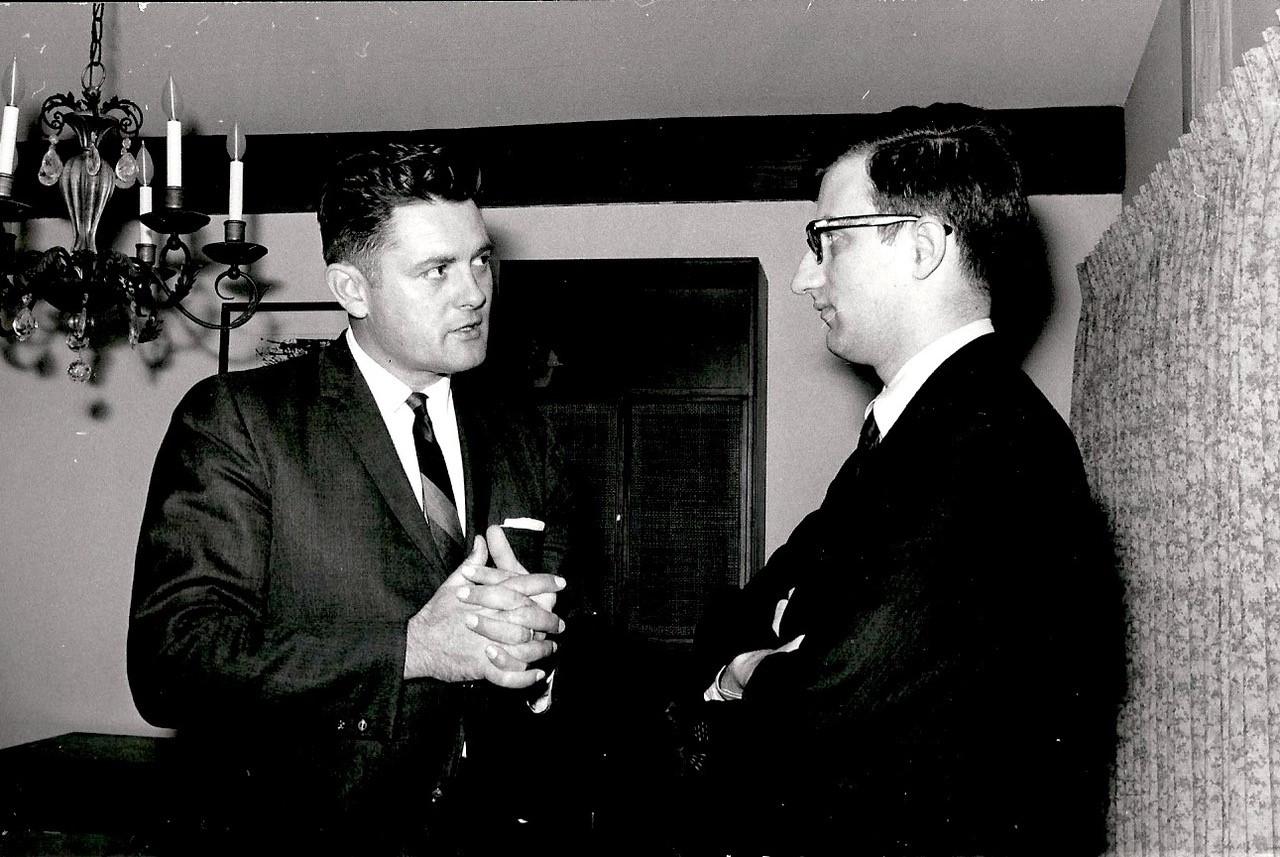 V. Adamkus ir G. Gedvila 1968 m. rinkimų metu